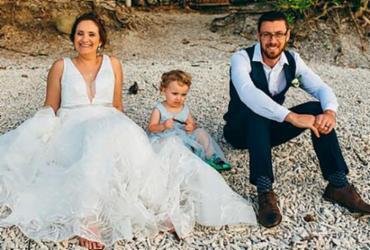 Pais deixam filho usar vestido em casamento e são criticados | MDWfeatures | Zen Photography