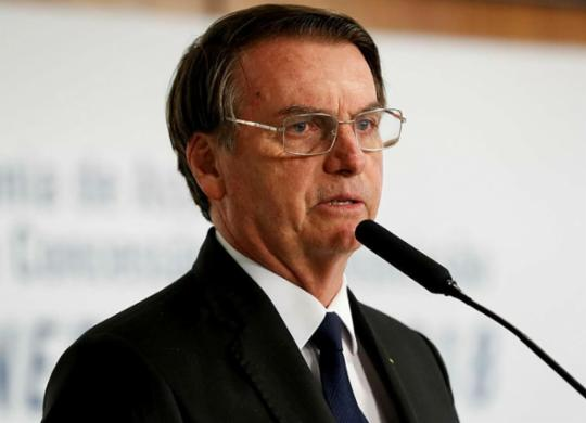 Bolsonaro assina decreto sobre protocolos de bem-estar animal   Alan Santos   PR