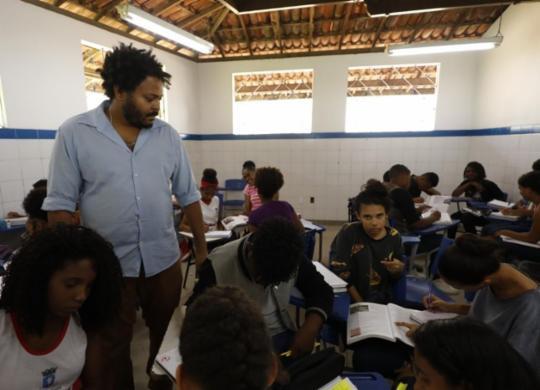 Fragilidades do plano de educação geram queixas | Joá Souza | Ag. A TARDE