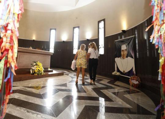 Santuário de Irmã Dulce é interditado para obras; corpo da religiosa fica em túmulo provisório | Joá Souza l Ag. A TARDE l 12.8.2019