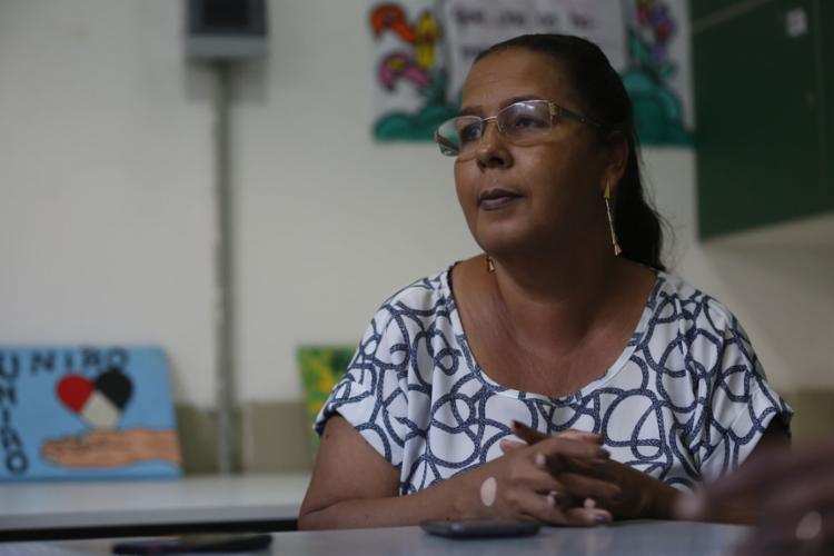 """Rosa Augusta,dir. da Escola Mun. S.F.: """"Isso permite uma familiarização dos alunos com o modelo de prova externa e têm dado certo"""