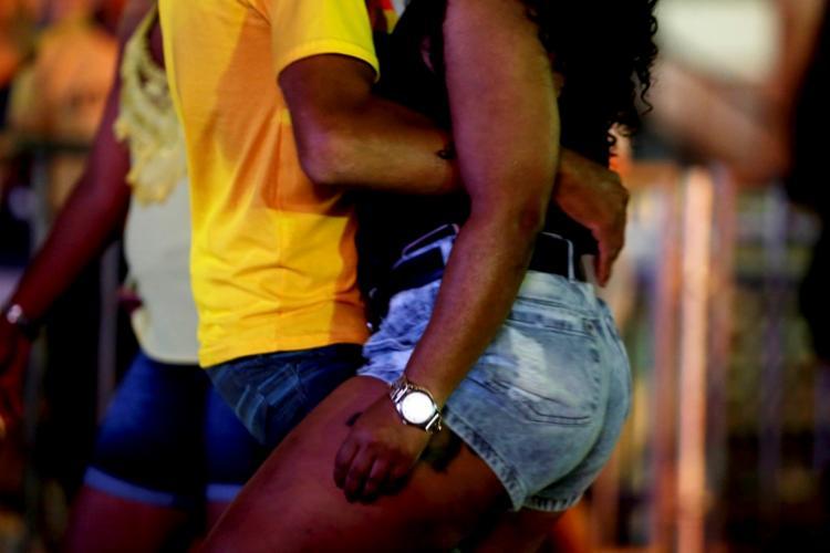 Público no festival 10 Horas de Arrocha, que aconteceu no Wet'n Wild. Foto: Felipe Iruatã / Ag. A TARDE