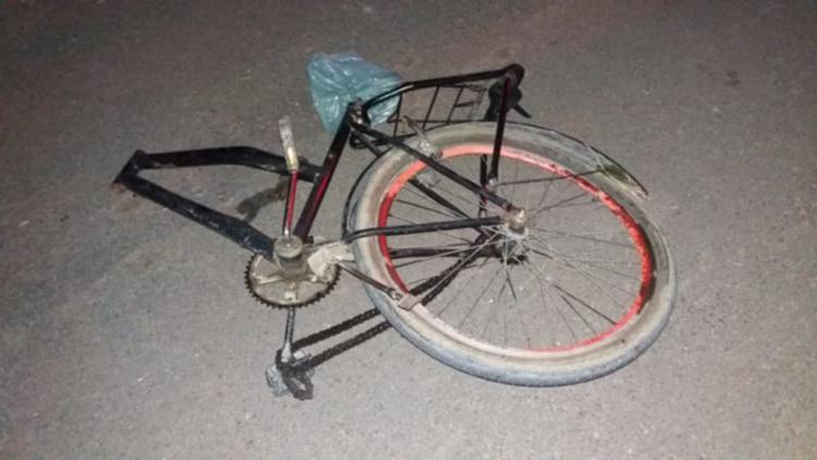 Bicicleta ficou destruída após o acidente - Foto: Reprodução | Sul Bahia News