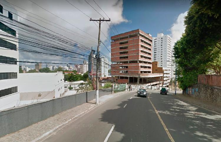 Acidente aconteceu na Avenida Professor Manoel Ribeiro, próximo à faculdade Estácio - FIB - Foto: Reprodução | Google Street View