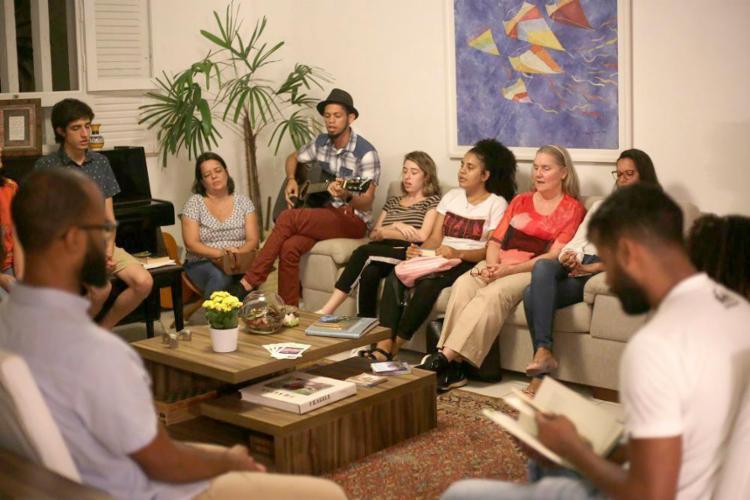 Os membros da religião se encontram na sede regional do Nordeste, em São Cristóvão, e nas casas dos seguidores - Foto: Raphaël Müller / Ag. A TARDE