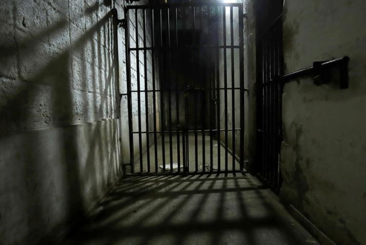 Estrutura das celas em nada atendem às disposições da Lei de Execução Penal (LEP) - Foto: Uendel Galter | Ag. A TARDE
