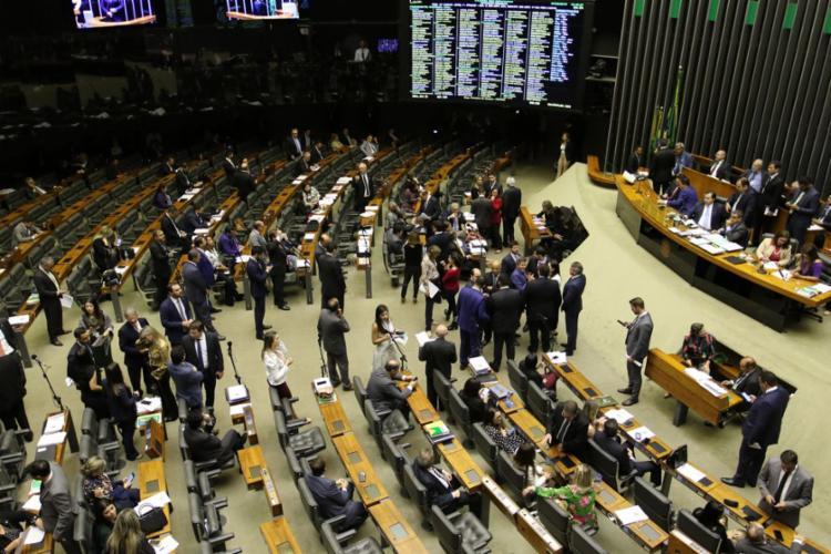 Proposta segue para Senado para votação em dois turnos - Foto: Fabio Rodrigues Pozzebom l Agência Brasil