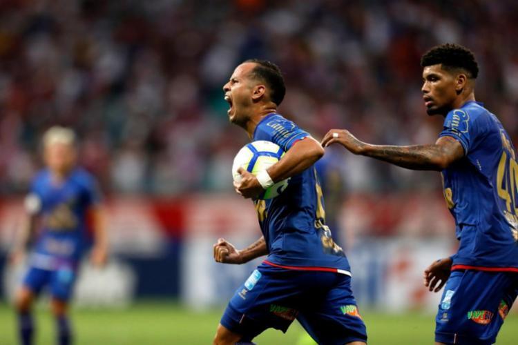 Guerra marcou o gol do empate na Arena Fonte Nova - Foto: Raul Spinassé | Ag. A TARDE