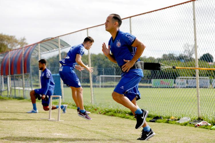Recuperado de lesão, o meia Guerra treinou normalmente - Foto: Felipe Oliveira | EC Bahia