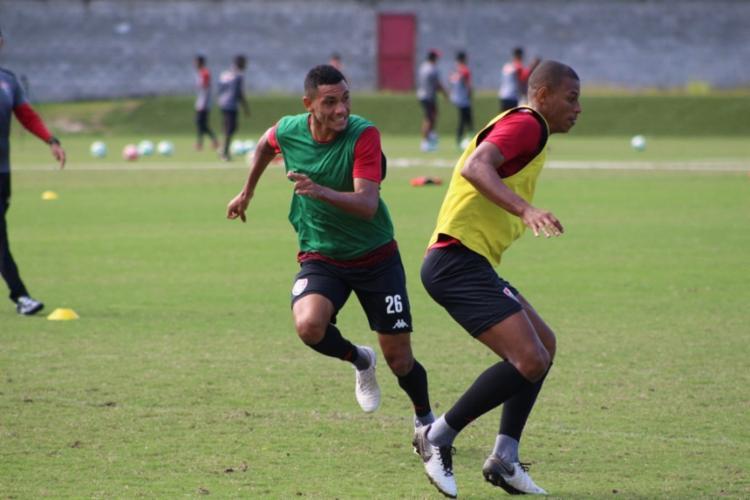 O treinador deu ênfase na atividade de ataque contra defesa - Foto: Divulgação | EC Vitória