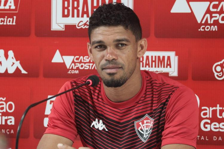 Van exaltou a evolução defensiva, mas ressaltou a necessidade de reencontrar o caminho dos gols - Foto: Letícia Martins | EC Vitória