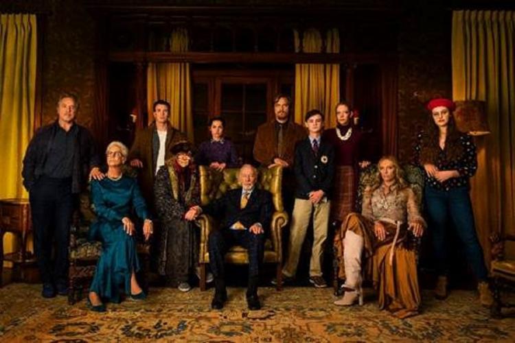 História gira em torno de uma família excêntrica, rodeada de mistérios - Foto: Divulgação