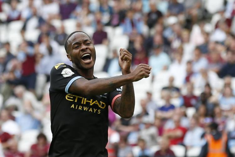 Não creio que alguém consiga tirar o tricampeonato do Manchester City, um time que dificilmente falha contra pequenos - Foto: Ian Kington | AFP