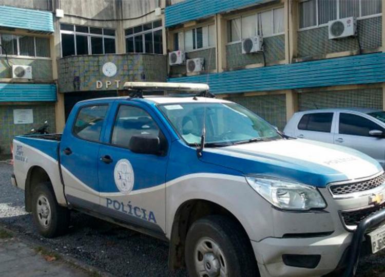 Suspeitos do crime e todo material apreendido foi encaminhado a delegacia - Foto: Aldo Matos   Acorda Cidade