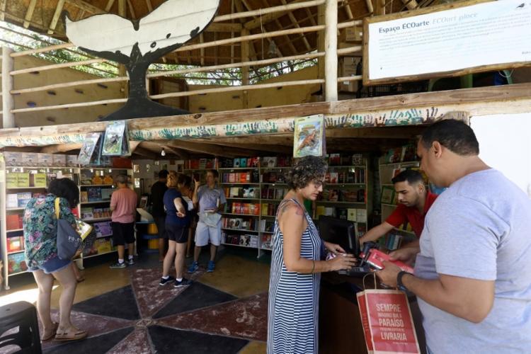 A novata Festa Literária da Praia do Forte estreou em maio