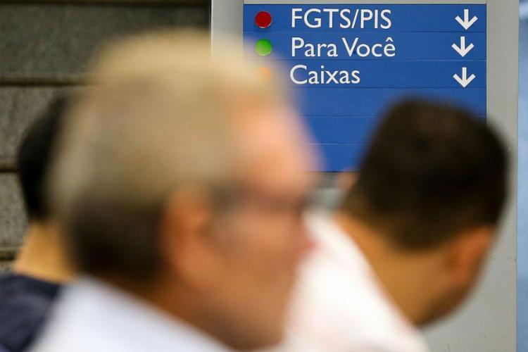 FGTS rende 3% ao ano mais a Taxa Referencial (TR), que está zerada - Foto: Marcelo Camargo l Agência Brasil