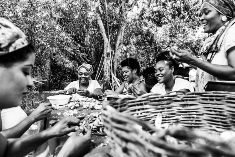 O fotógrafo Gilucci Augusto registrou as mulheres do Quilombo Kaonge, no Recôncavo Baiano. - Foto: Gilucci Augusto_Divulgação