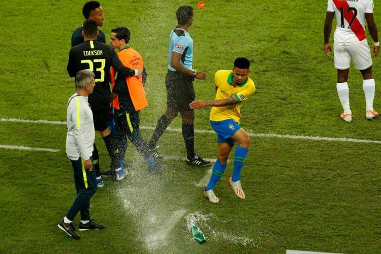 Gabriel Jesus também foi multado em US$ 30 mil por comportamento considerado inadequado durante a final contra o Peru