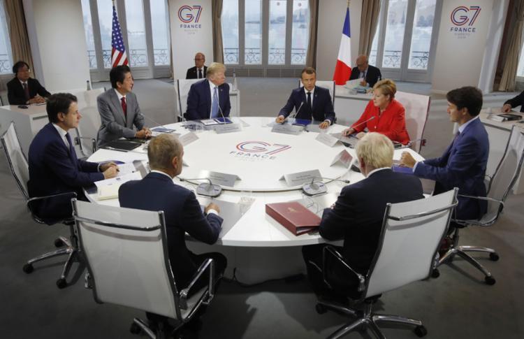 Apoio a países afetados por incêndios é consenso entre líderes - Foto: Philippe Wojazer l AFP