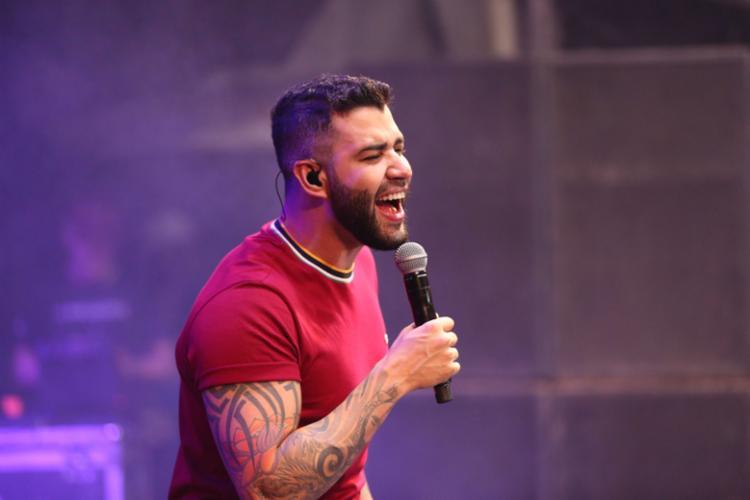 Gusttavo Lima tem cumprido uma agenda de shows lotada, com aproximadamente 30 por mês - Foto: Divulgação