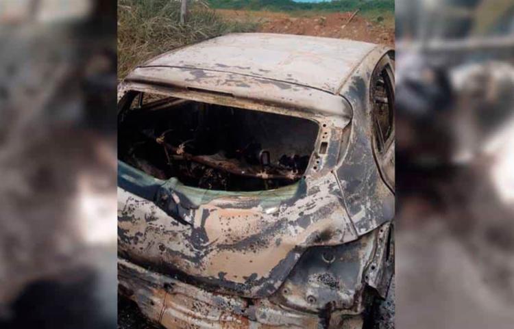 Vítimas estavam no banco de trás do veículo - Foto: Reprodução | Simões Filho Online