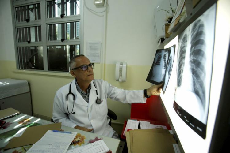 Tratamento começa logo após diagnóstico, diz infectologista Eduardo Martins Netto - Foto: Felipe Iruatã l Ag. A TARDE l 21.8.2019