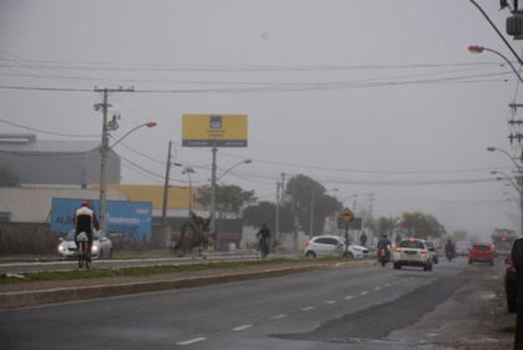 Termômetros marcavam 12°C e algumas vias ficaram cobertas por neblina - Foto: Divulgação | Blog do Anderson