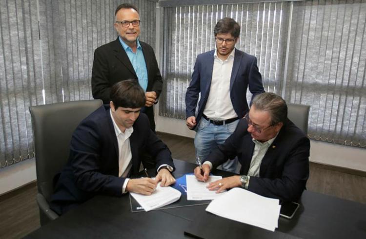 Acordo para a parceria foi assinado no dia 27 - Foto: Luciano da Matta | Ag. A TARDE