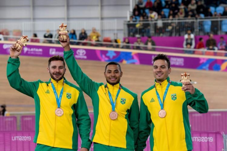 Ciclistas ganharam medalha de bronze na competição - Foto: Washington Alves I COB