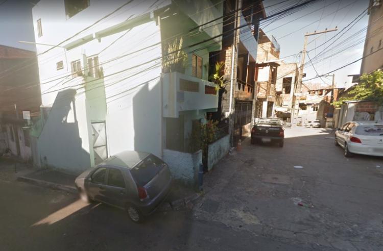 Uma das vítimas foi assassinada na rua Antonio Vidal da Cunha, no bairro de Santa Cruz - Foto: Reprodução   Google Street View