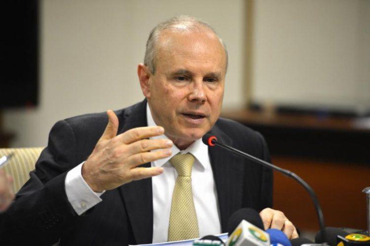 Mantega não poderá manter contatos com todos os demais investigados e está proibido de mudar de endereço sem autorização judicial - Foto: Antonio Cruz | Agência Brasil