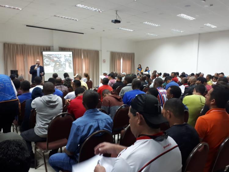 Foram comercializados 189 lotes de veículos e sucatas, no município,. - Foto: Divulgação