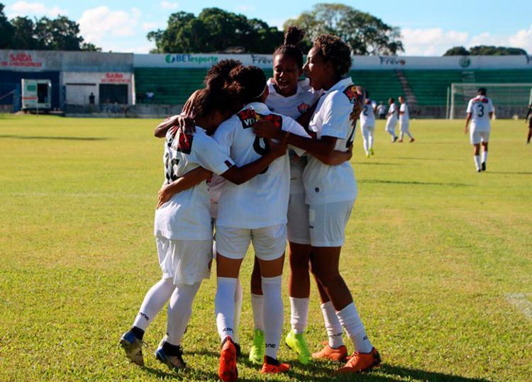 Em confronto contra as líderes, o Vitória ficou próximo da classificação para a segunda fase - Foto: Kadu Brandão | Divulgação