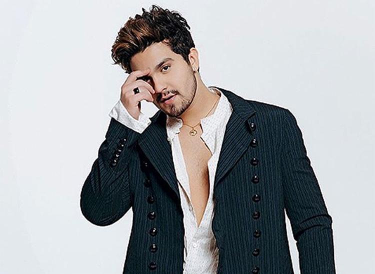 O cantor não se feriu e deve se apresentar normalmente no 'Criança Esperança' nesta segunda-feira, 19, na Globo - Foto: Reprodução l Instagram