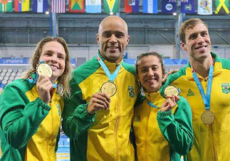 Brasil herdou a medalha de ouro da prova do revezamento 4x100m misto - Foto: Abelardo Mendes Jr I Rede do Esporte