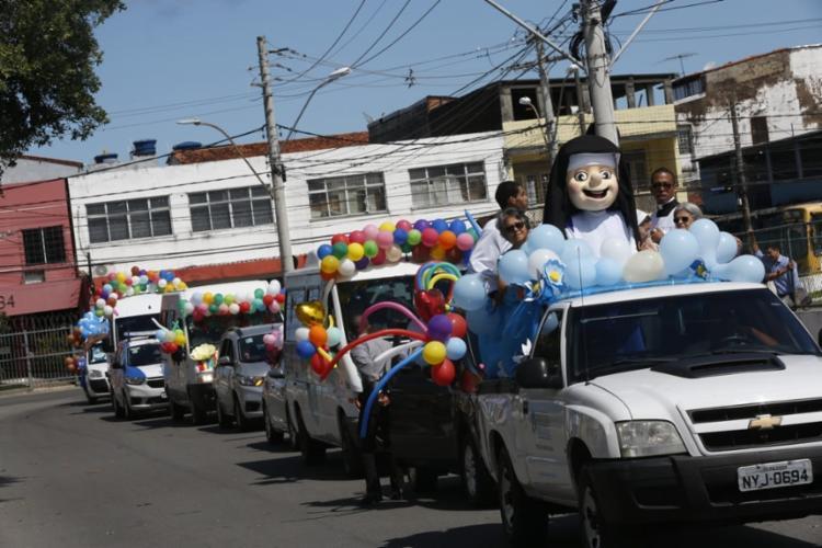 Carreata percorreu alguns dos principais locais por onde a religiosa atuou - Foto: Rafael Martins | Ag. A TARDE