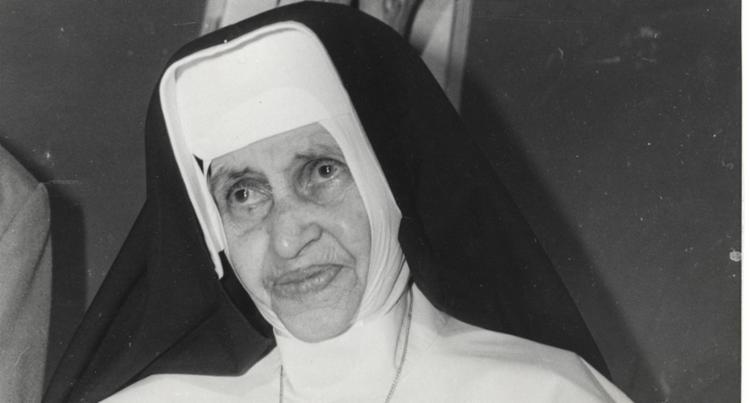 A freira passará a ser chamada de Santa Dulce dos Pobres e terá como data litúrgica o dia 13 de agosto - Foto: Arquivo | A TARDE