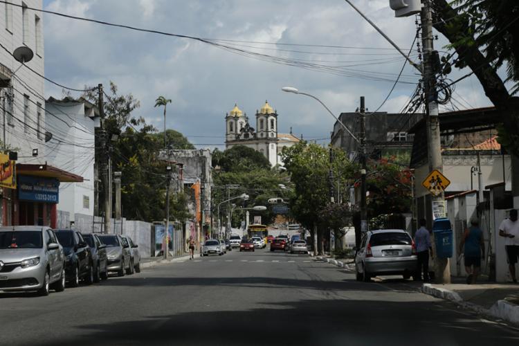 Em virtude da interdição, linhas que circulam no local tiveram seus itinerários modificados - Foto: Gilberto Junior | Ag. A TARDE