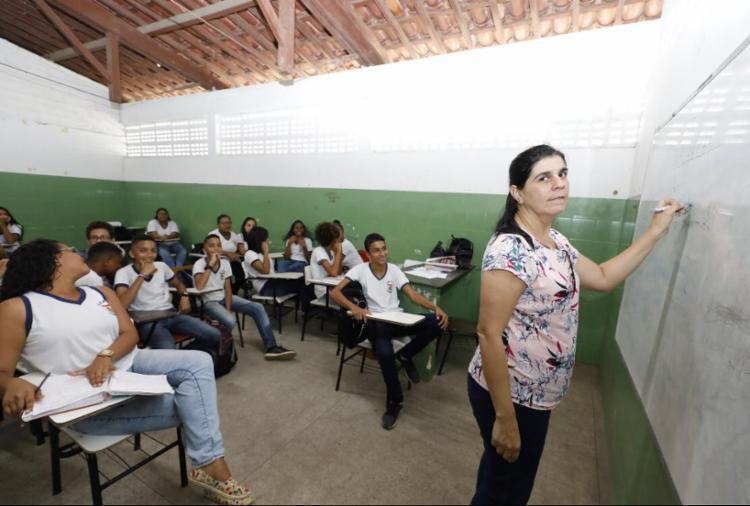 Seguindo tendência nacional, a cidade de pojuca, na região metropolitana de salvador, vive com elevadas taxas de reprovação escolar nos anos finais do ensino fundamental - Foto: Ag. A TARDE