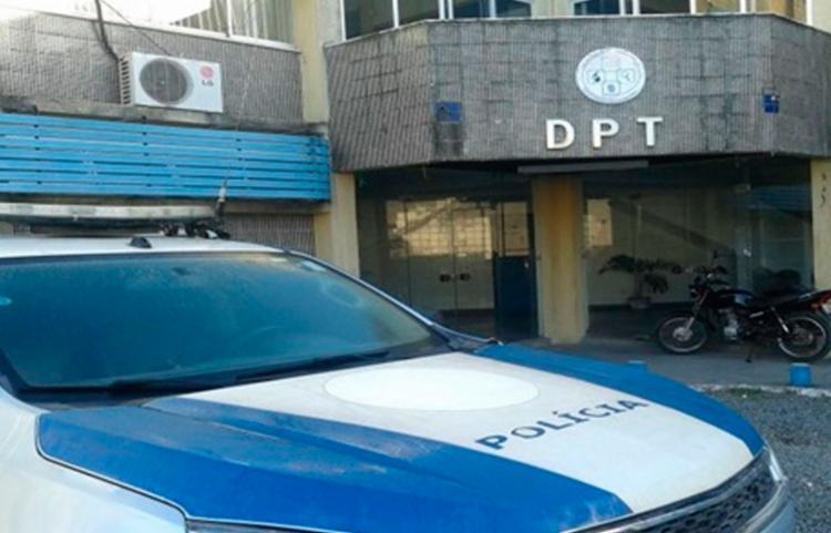 Peritos do DPT estiveram no local - Foto: Reprodução
