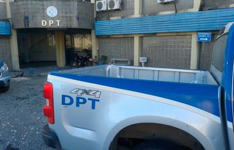 Os corpos da vítimas ainda não identificadas foram levados ao Departamento de Polícia Técnica (DPT) da cidade - Foto: Acorda Cidade
