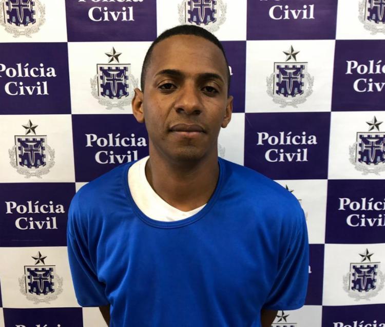 Carlos Rodrigues Oliveira Ribeiro foi detido com os equipamentos no estacionamento de um supermercado na Paralela - Foto: Divulgação   Polícia Civil