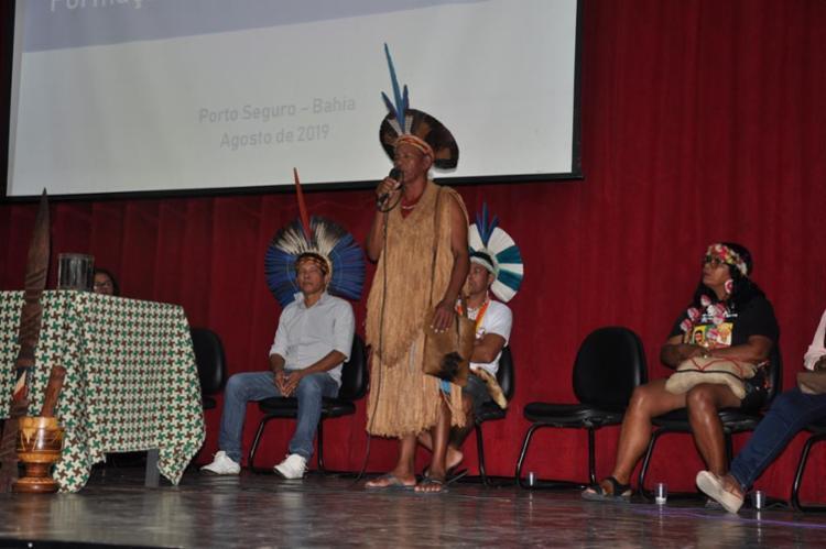 São 130 educadores indígenas de diferentes etnias, como Tupinambá, Pataxó e Guarani, envolvidos na capacitação, que segue até sexta-feira (16). - Foto: Uenderson Charmosinho_divulgação