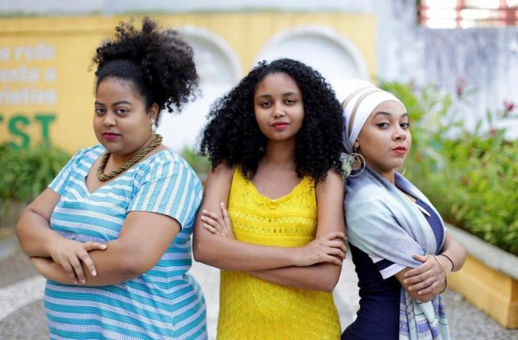 Laura Augusta, Daiana Nascimento e Leomaria Novaes integram a Rede Dandaras, que reúne psicólogas negras antirracistas - Foto: Adilton Venegeroles / Ag. A TARDE