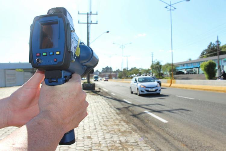 O uso dos radares é feito de acordo com regras aprovadas pelo Contran - Foto: GOV SC   Divulgação