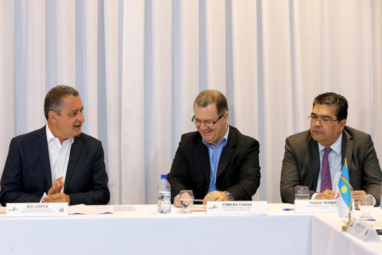 Presidente do Consórcio Nordeste, governador Rui Costa recebeu representantes da saúde dos nove estados nordestinos - Foto: Divulgação   Secom