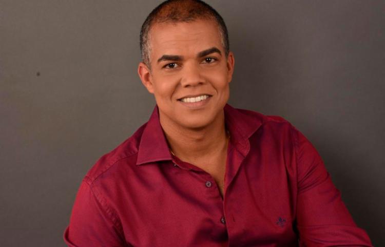 Dr. Carlos Eduardo é médico e especialista em Psiquiatria, além de Mestre em Saúde Coletiva