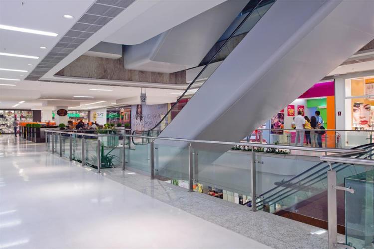 Acidente aconteceu em uma das escadas rolantes do Shopping Barra - Foto: Divulgação