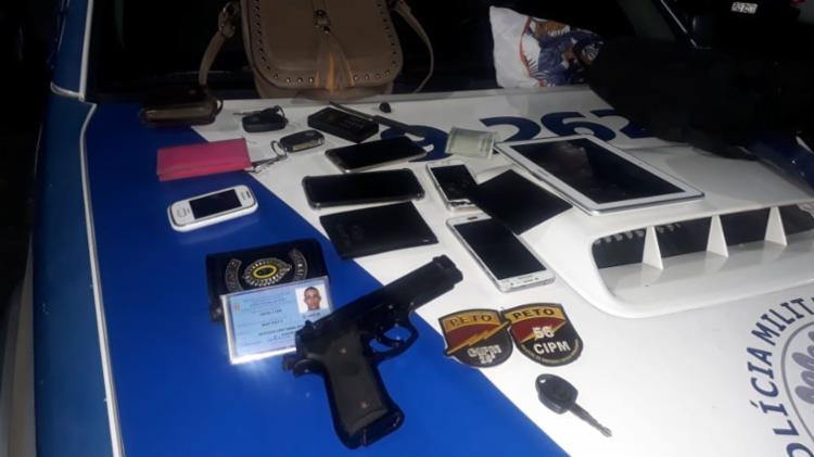 Dupla abordou os pedestres com um simulacro de pistola - Foto: Divulgação | SSP
