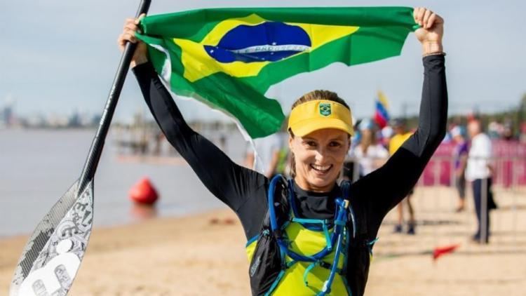 Lena terminou o percurso de cinco quilômetros na praia de Punta Rocas - Foto: Divulgação I COB